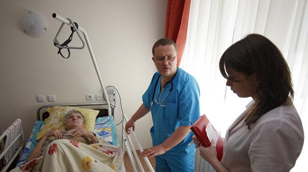 Минздрав договорился с медиками: Долги по заработной плате погасят