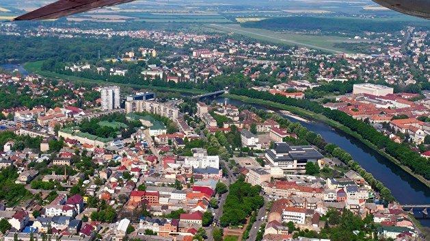 Венгрия советует обходить Закарпатье стороной