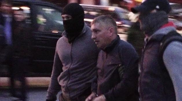 Подозреваемые в госизмене А. Сухоносова и Д. Долгополов доставлены из Крыма в Москву