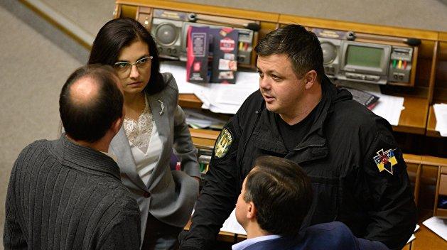 Семенченко надумал взять Раду под охрану