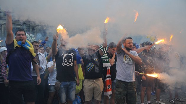 «Добавочка»: Вслед за греками киевских ультрас в Афинах побили фанаты «Спартака»