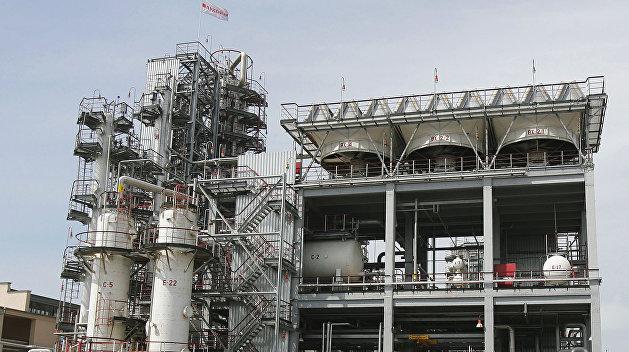 Нефть растет наопасениях введения новых санкций против Ирана