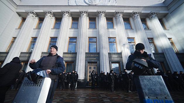 «Нет геноциду»: Военные пенсионеры митингуют у здания Верховной Рады