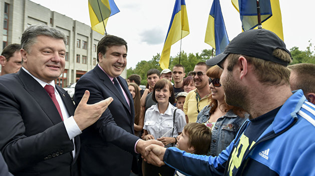 Суд обязал МВД Украины открыть дело на Порошенко из-за паспорта Саакашвили
