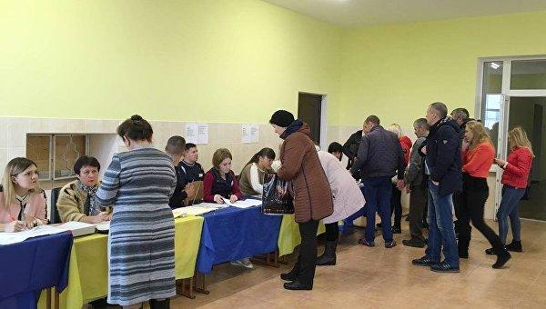 «Батькивщина» иБПП объявили себя победителями навыборах вобъединенных общинах