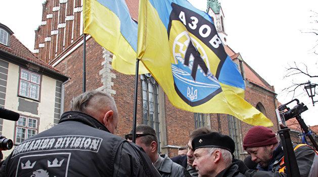 Немецкие СМИ сообщили о вербовке «Азовом» наемников из Германии