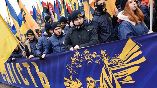Эксперт: Запад заинтересован в проявлении нацизма на Украине