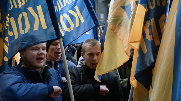 Взять власть в Черкассах: «Нацкорпус» заставил самораспуститься горсовет