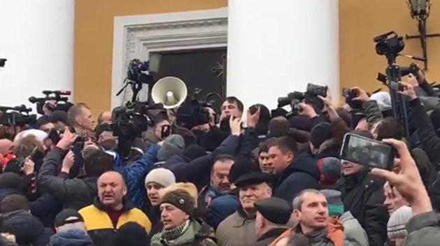 Порошенко поддерживает силовиков вотношении Саакашвили— полпред вРаде