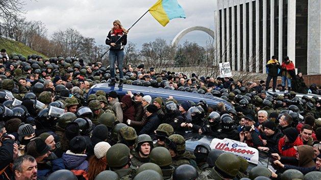 Порошенко: Народ раскусил финансируемую из Москвы гоп-компанию