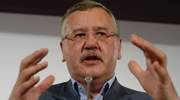 Гриценко: Порошенко уже достал многих олигархов