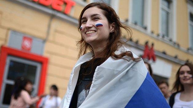 Социологи узнали, почему жители России терпеть немогут США и Украинское государство