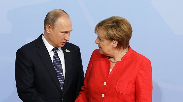 Меркель рассказала как меняется продуктами с Путиным