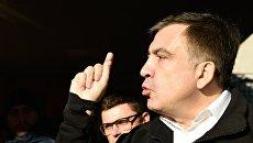 Саакашвили выдворили перед допросом о расстрелах на Майдане