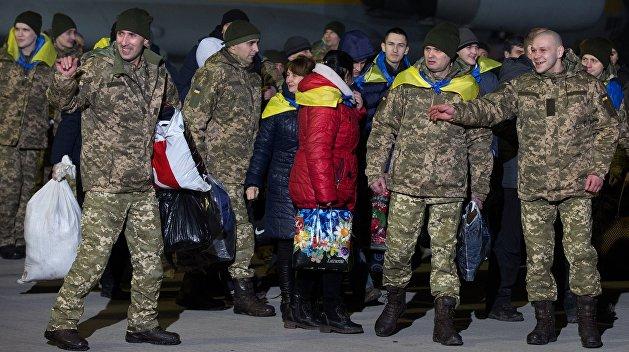 Власти Украины выплатят бывшим пленным по 100 тысяч гривен, но только с разрешения СБУ