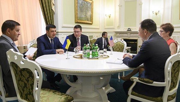 Алексей Попов: Завтрак с Трампом — не более, чем повод для селфи