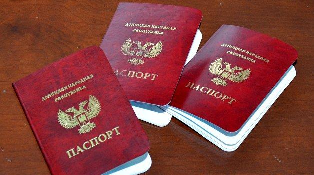 Захарченко: После заявления Путина спрос на паспорт ДНР вырос в десятки раз