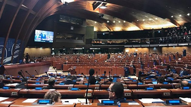 Новый глава ПАСЕ хочет вернуть российскую делегацию, вопреки возражениям Украины