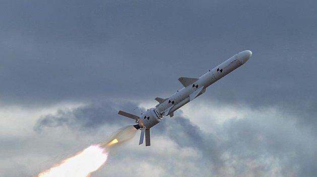 Турчинов выдал старую советскую ракету за новую разработку