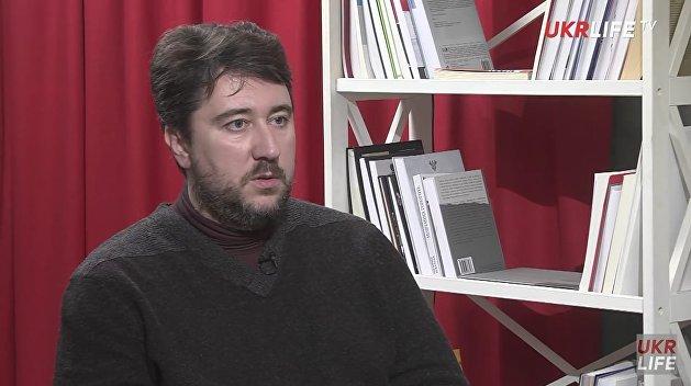 Эксперт: Средняя заработная плата в РФ в три раза больше,  чем на Украине