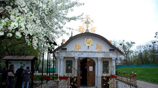 Прокуратура Киева встала на сторону радикалов в споре о статусе храма УПЦ МП