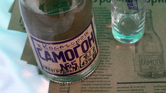 На Украине запретили имперский самогон и коммунистический коньяк