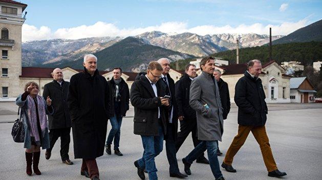 Немецкие депутаты завидуют референдуму в Крыму, в Германии такого быть не может