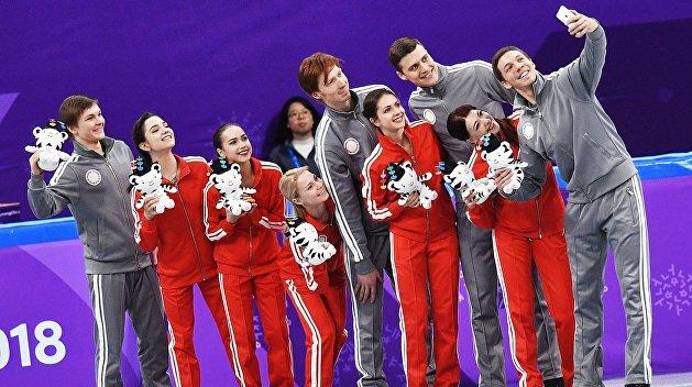 Российские фигуристы выиграли серебро в командных соревнованиях