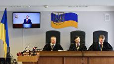 Суд в Киеве снова допрашивает свидетелей по делу Януковича