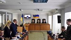 «Джентльмены неудачи»: Порошенко в суде нехотя подыграл Януковичу