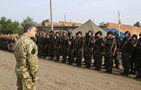 Украинские ветераны в Виннице вернули Порошенко свои боевые награды