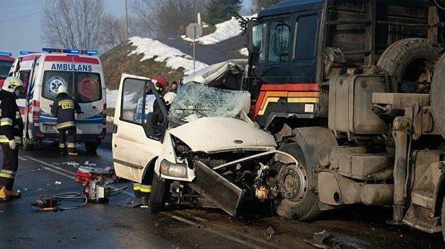 Жуткое ДТП в Польше, погибли украинские рабочие