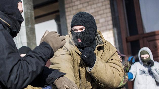 Неизвестные ворвались на дискотеку в Киевской области и избили всех посетителей