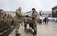 Десантники избили выпускников военной академии Одессы из-за розовой БМД