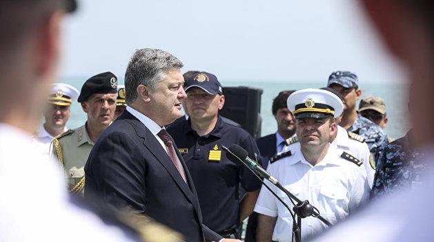 Дубинский: Порошенко «кинул» переселенцев, а врет о Крымском мосте