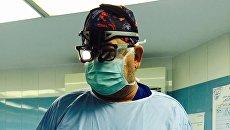 Доктор Билл Новик: Готов оперировать в Донбассе, если позовут