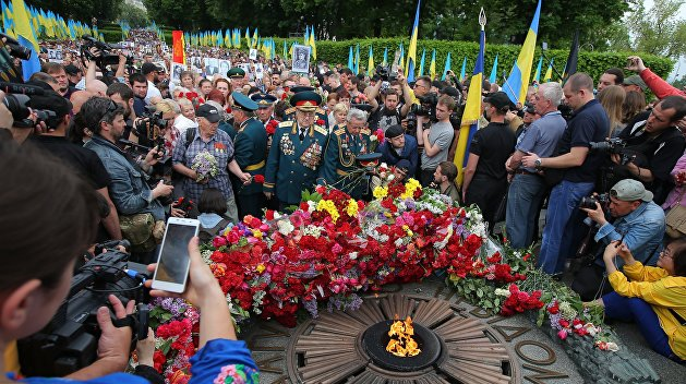 День Победы, эсэсовцы в Киеве, годовщина референдума о независимости ДНР