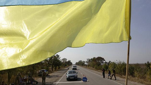 Депутат Верховной Рады требует стянуть силовиков к границе с Крымом