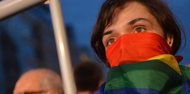 «Они не пройдут!»: МВД Белоруссии прокомментировало радужный флаг над британским посольством